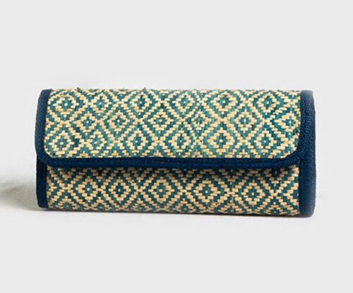 Clutches : New weaving Holy